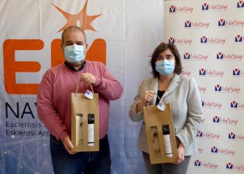 Valsay Sistemas de Embalaje S.L. colabora con la Asociación de Esclerosis Múltiple de Navarra y su brindis solidario